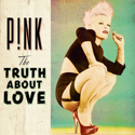 the-truth-about-love-2012-pink-radio-victoire.jpg (24 KB)
